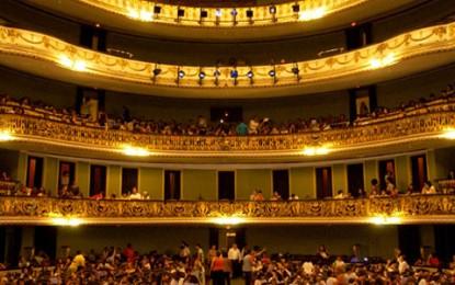 Theatro Municipal inicia venda de pacote para óperas de 2014