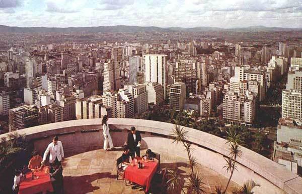 café no terraço do edifício itália nas décadas de 50 e 60