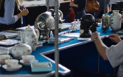 Feira de Antiguidades do Masp reúne colecionadores e curiosos
