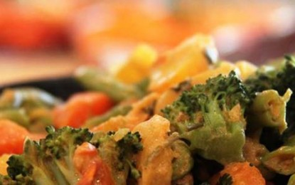 Restaurante Anna Prem serve feijoada e paella vegetariana