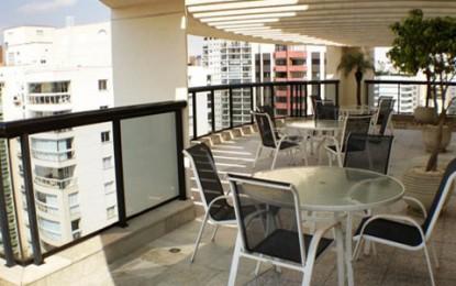 Hotel Quality Moema, atendimento atencioso e vista panorâmica