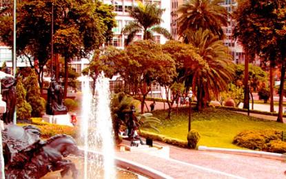 Praça Ramos de Azevedo: um conhecido cartão-postal da cidade