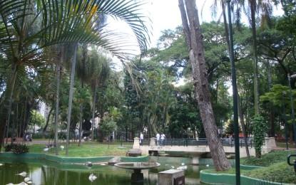 Praça da República abriga lazer, conforto e famosa feira de artes