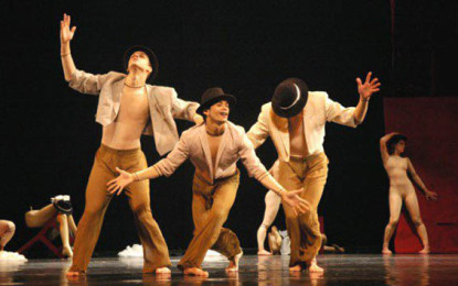 Ballet Stagium dança Chico Buarque no Teatro J. Safra