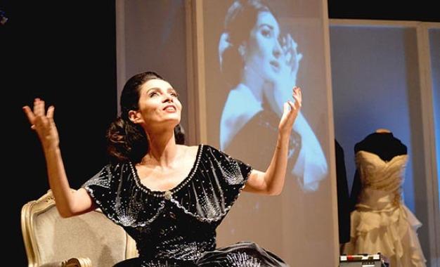 """""""Callas"""" com Cláudia Ohana e direção de Marília Pêra no Teatro Itália"""