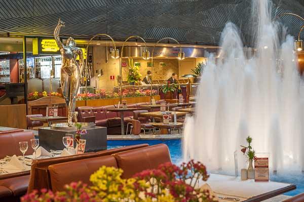 chafariz no restaurante do hotel maksoud plaza