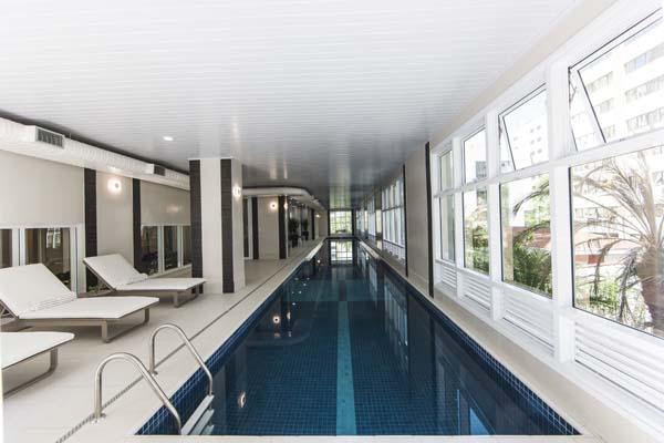 raia na piscina do olympia residence