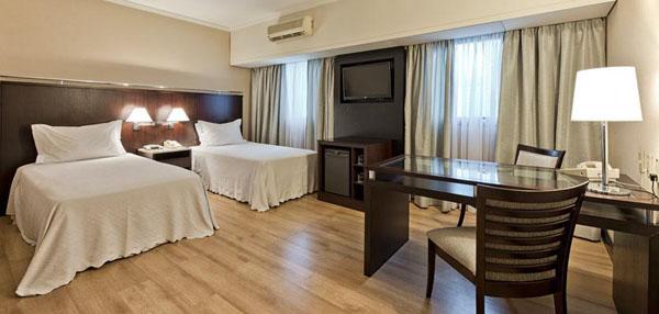 quarto duplo de solteiro no Hotel Tryp São Paulo Iguatemi