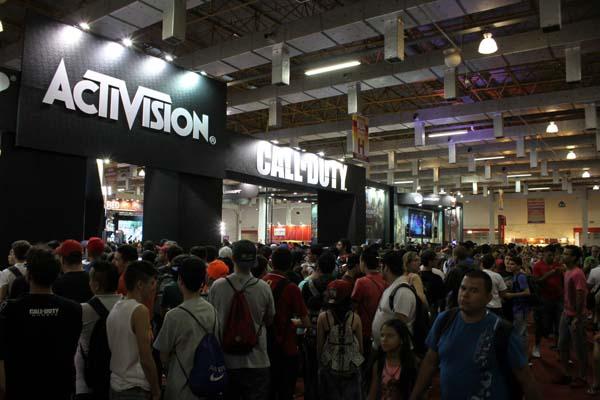 estande da activision e do call of duty na brasil game show