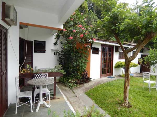 Jardim do Hotel Sossego do Major em Angra dos Reis