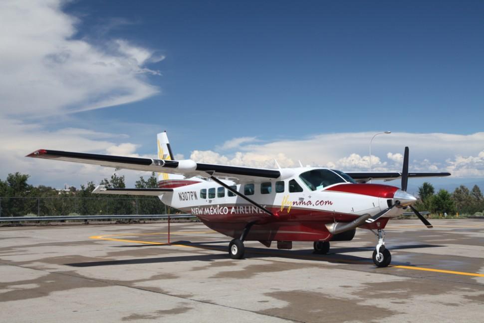 jato particular de táxi aéreo da flapper para voos privados em são paulo estacionado no pátio