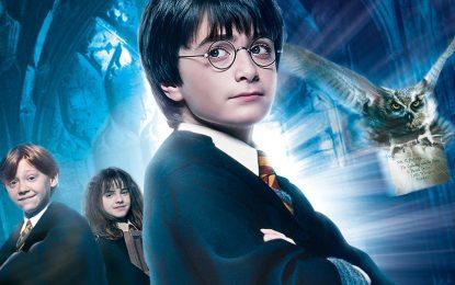 """""""Harry Potter e a Pedra Filosofal"""" terá exibição com orquestra interpretando a trilha sonora ao vivo em março"""