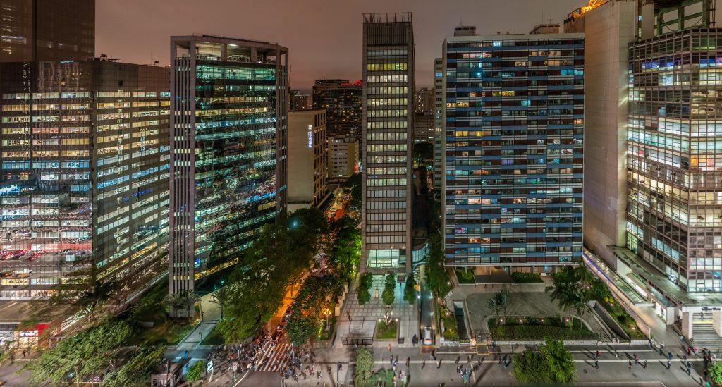 A maior rua do estado, a Avenida Paulista é o destaque da semana entre os pontos turísticos de São Paulo com toda sua imensidão de opções de entretenimento.